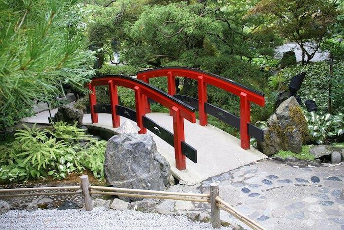 Butchart Gardens Foot Bridge pixabay Photoman